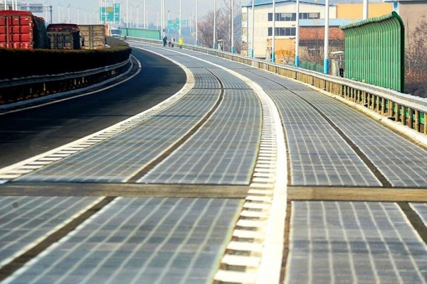 China constrói autoestrada de painéis solares